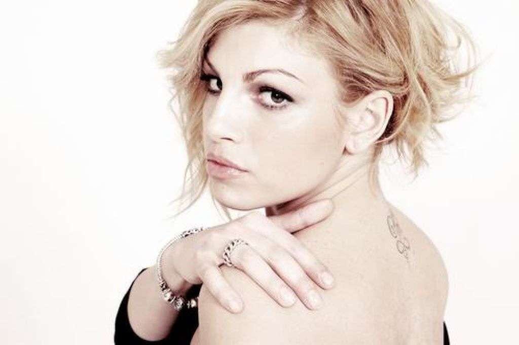 Italy: Wiwi Jury reviews Emma Marrone with <i>La mia città</i>